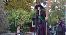 Carol Childs – Stilt Walker